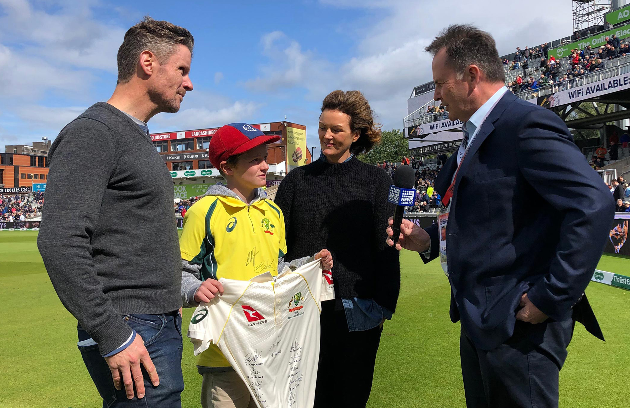 Worth the Waight: Max's family on media street during the fourth Test // Cricket Network