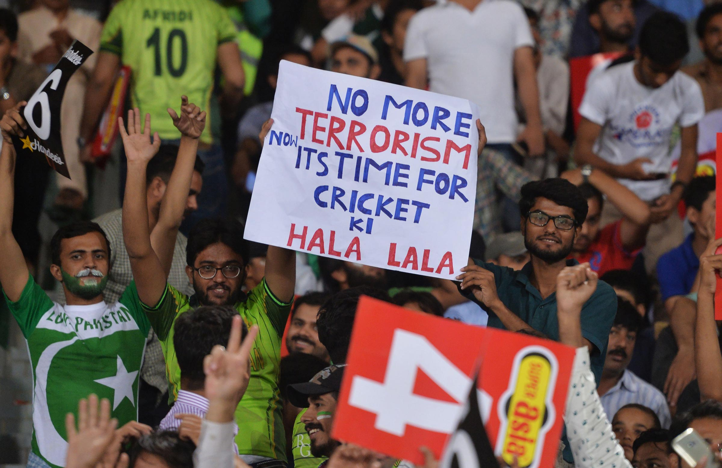 Cricket fans in Pakistan have been starved of top-level cricket // Getty
