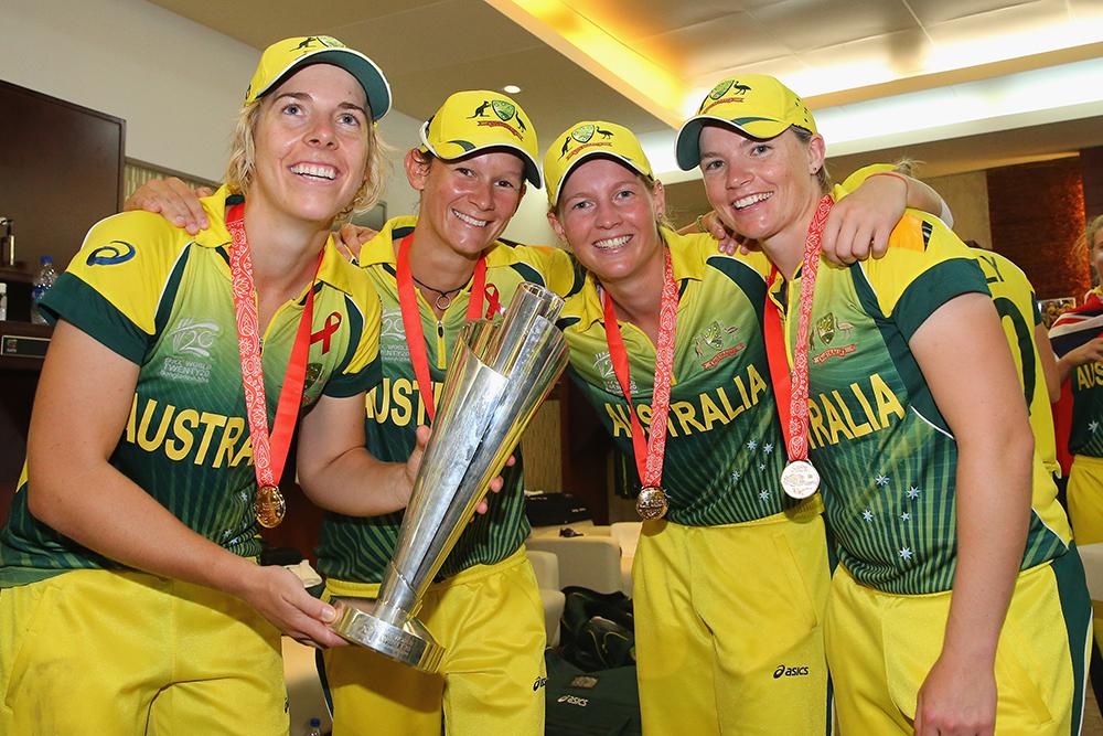 Jess Duffin (right) celebrates Australia's 2014 T20 World Cup win \\ Getty