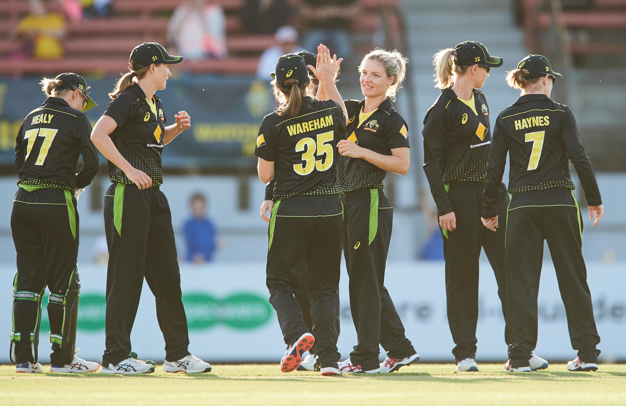 Nicola Carey collected three wickets // Getty