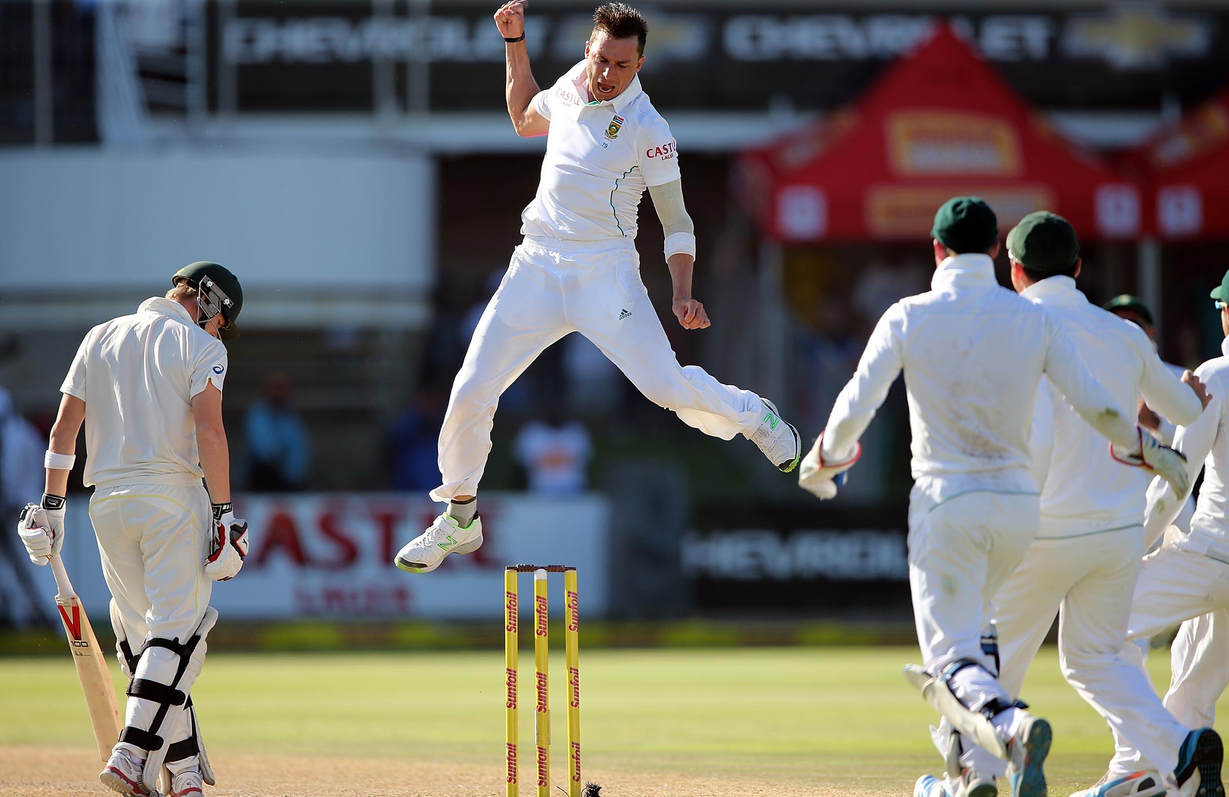 Steyn celebrates Smith's wicket at Port Elizabeth in 2014 // Getty