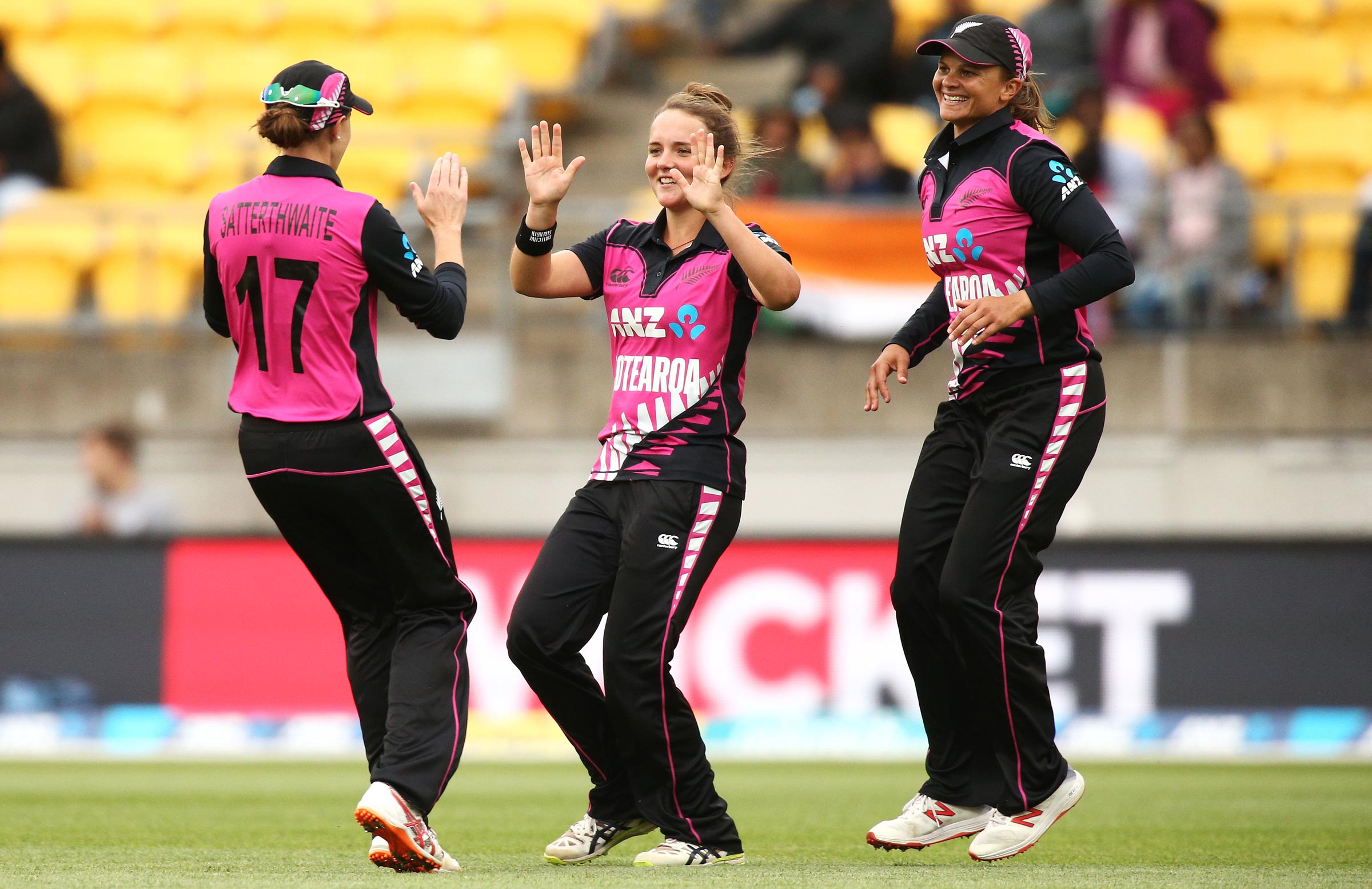 Kerr with fellow New Zealand and Big Bash stars Amy Satterthwaite and Suzie Bates // Getty