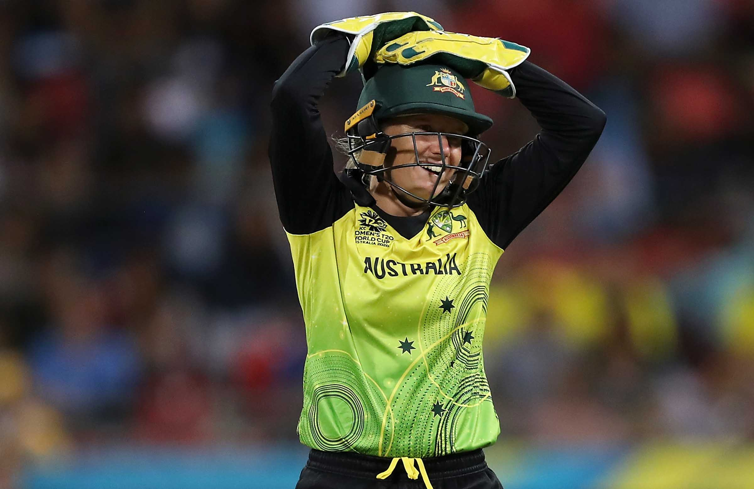 Healy during Australia's defeat to India // Getty
