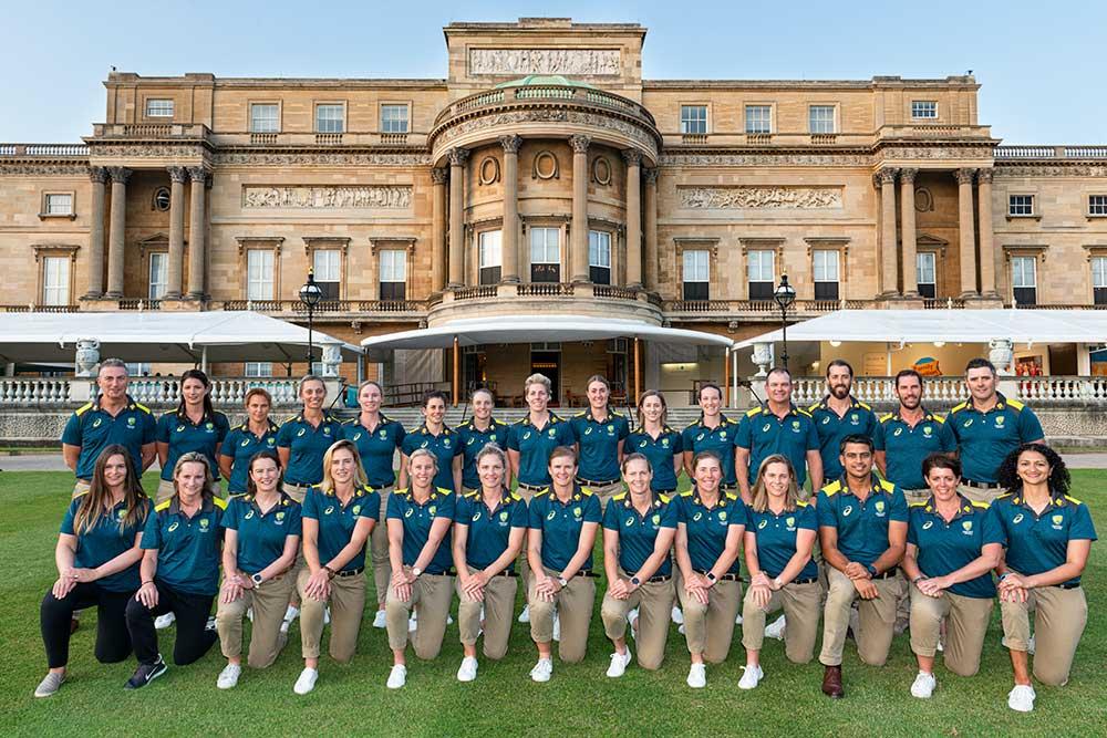 The Australian squad at Buckingham Palace // Getty