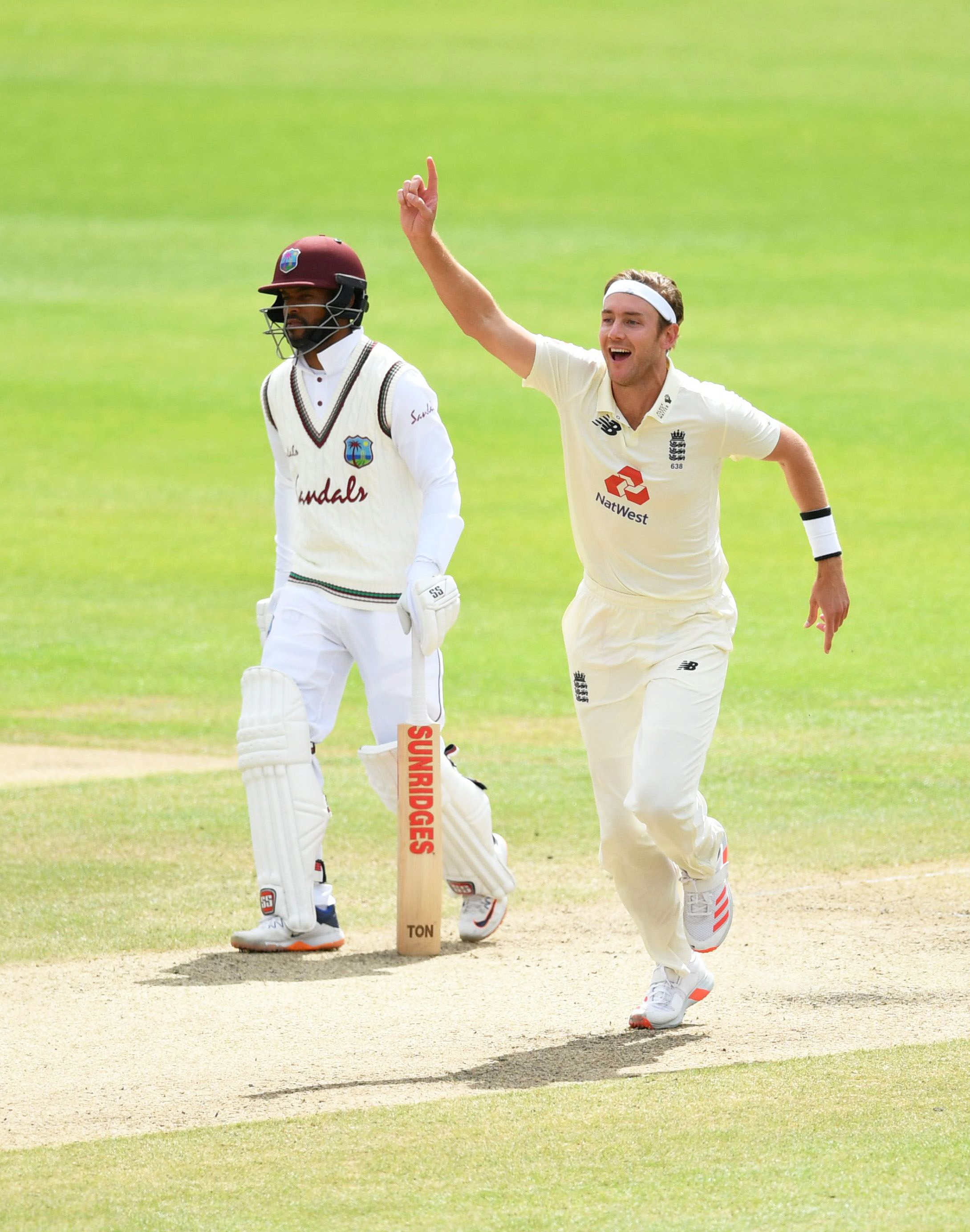 Broad celebrates his 500th Test wicket // Getty