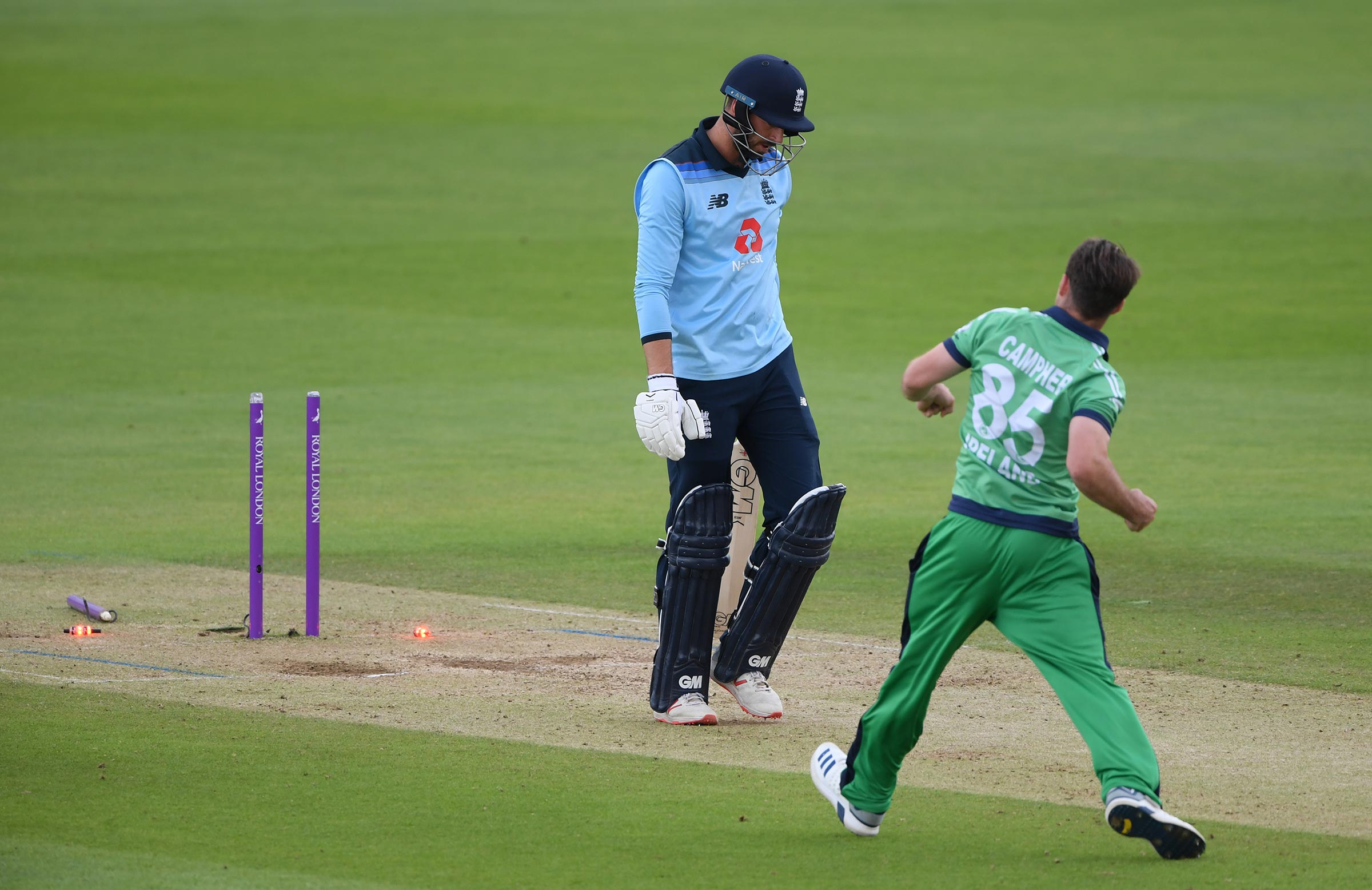 Curtis Campher bowls James Vince // Getty