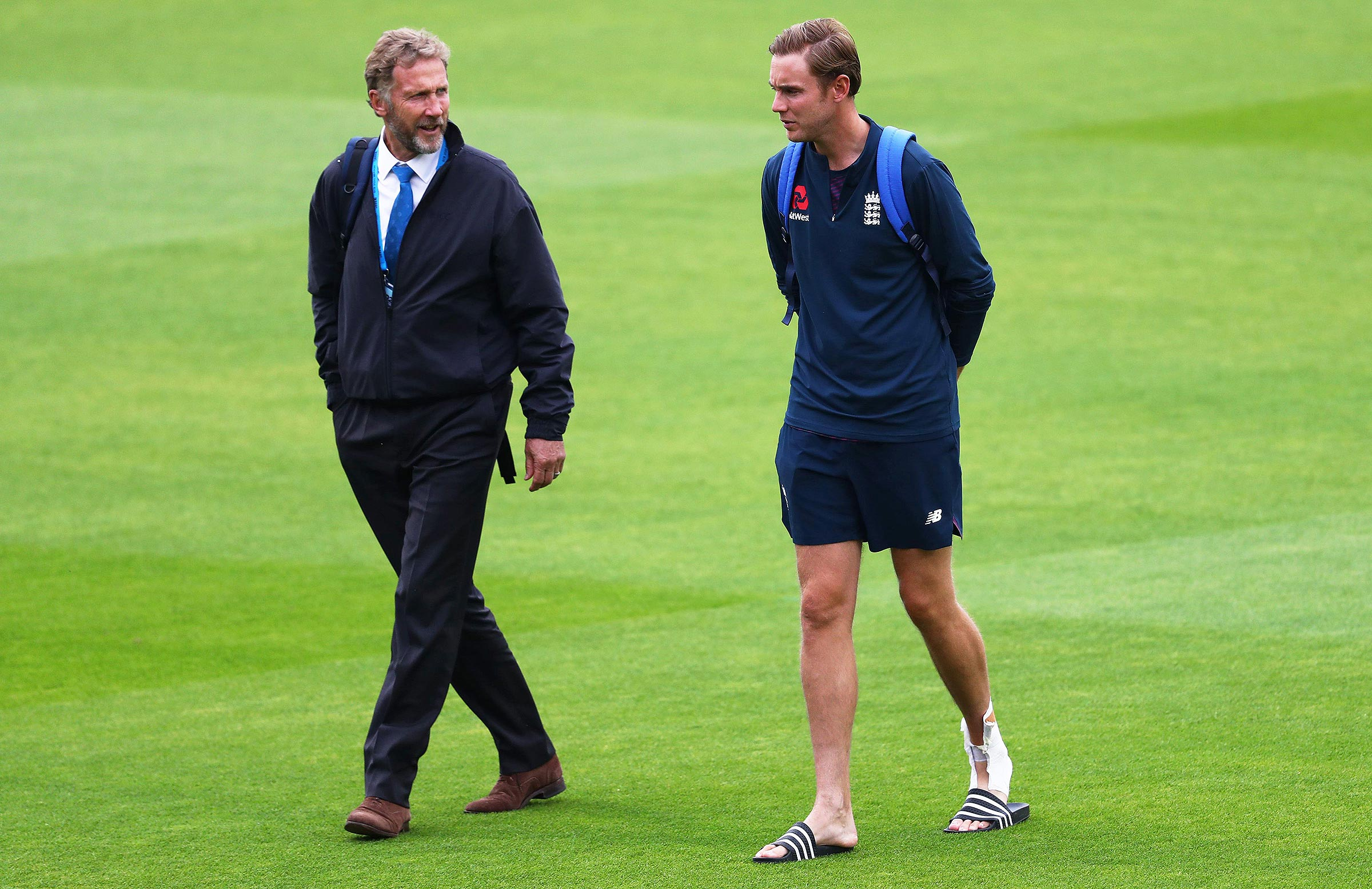 Chris Broad (left) and son Stuart // Getty