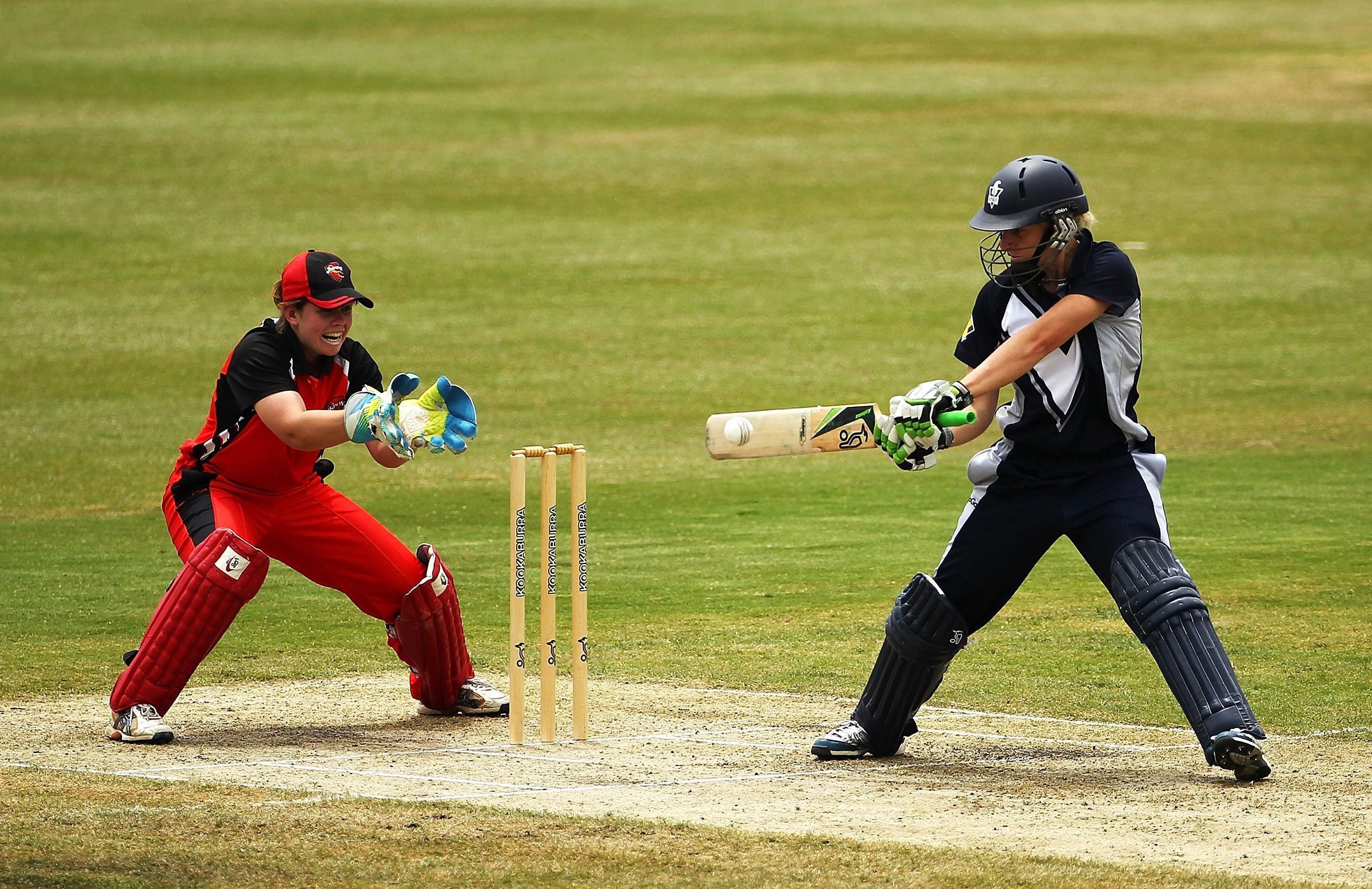 Elyse Villani cuts loose against South Australia in 2012 // Getty