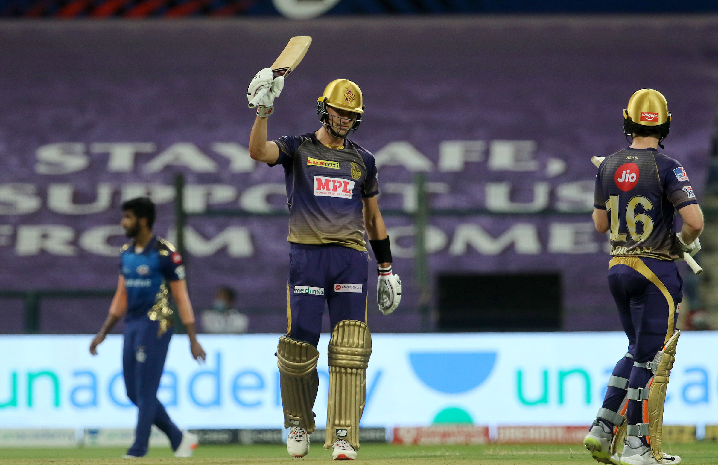 Cummins raises the bat for the first time in the IPL // BCCI/IPL