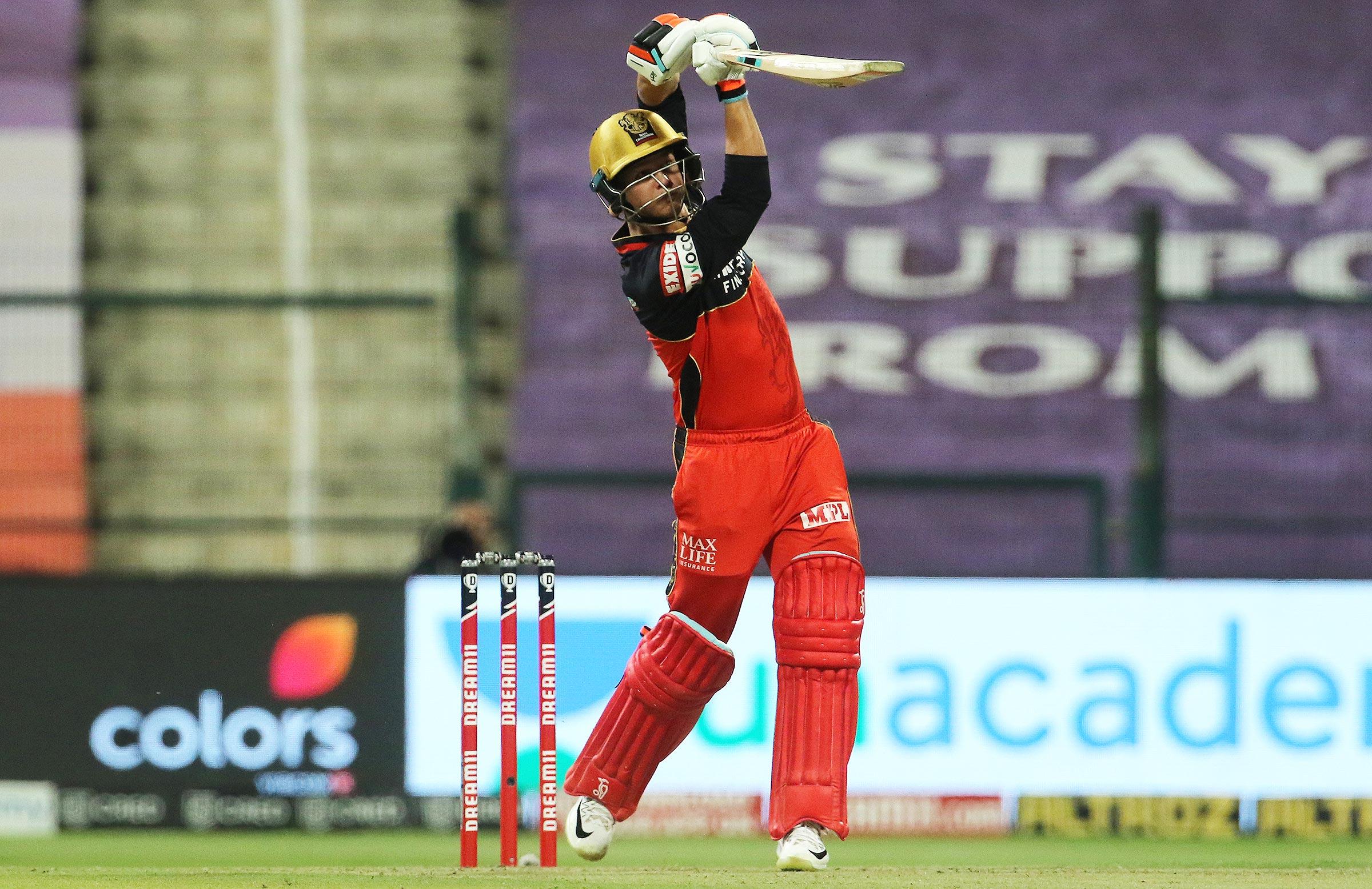 Phillipe goes over the top against Mumbai // BCCI-IPL