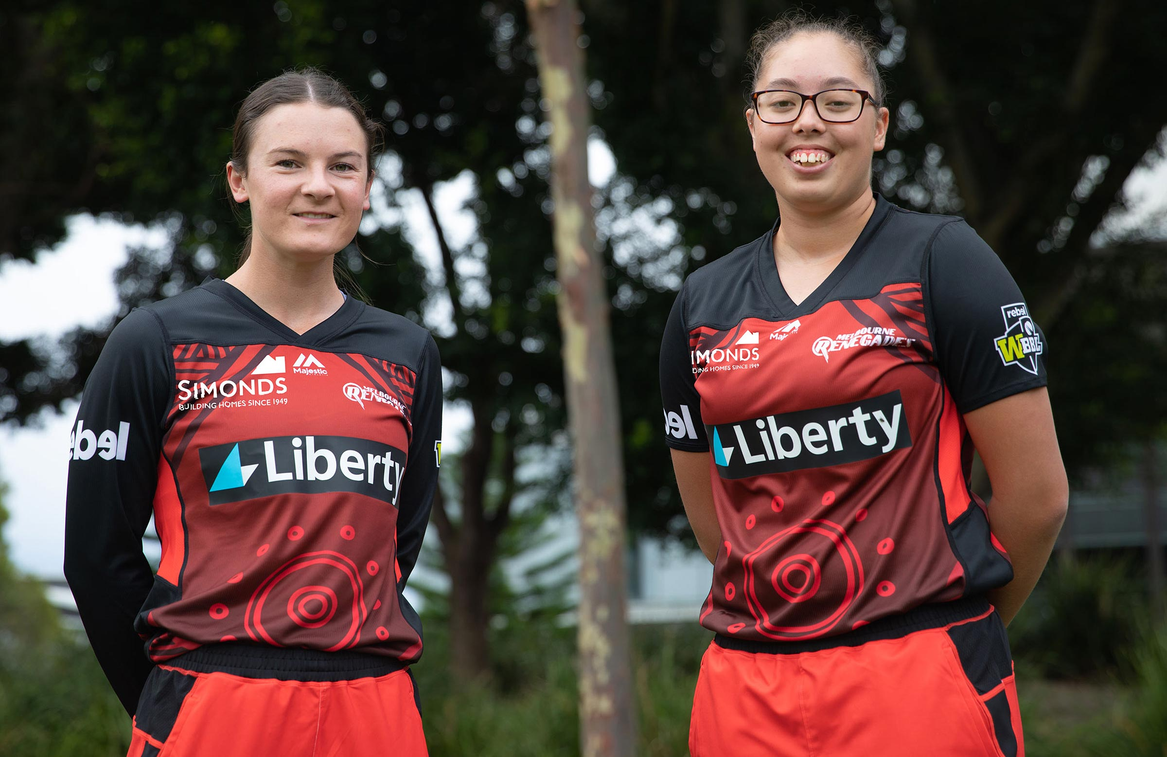 Courtney Webb and Ella Hayward in the Renegades' kit