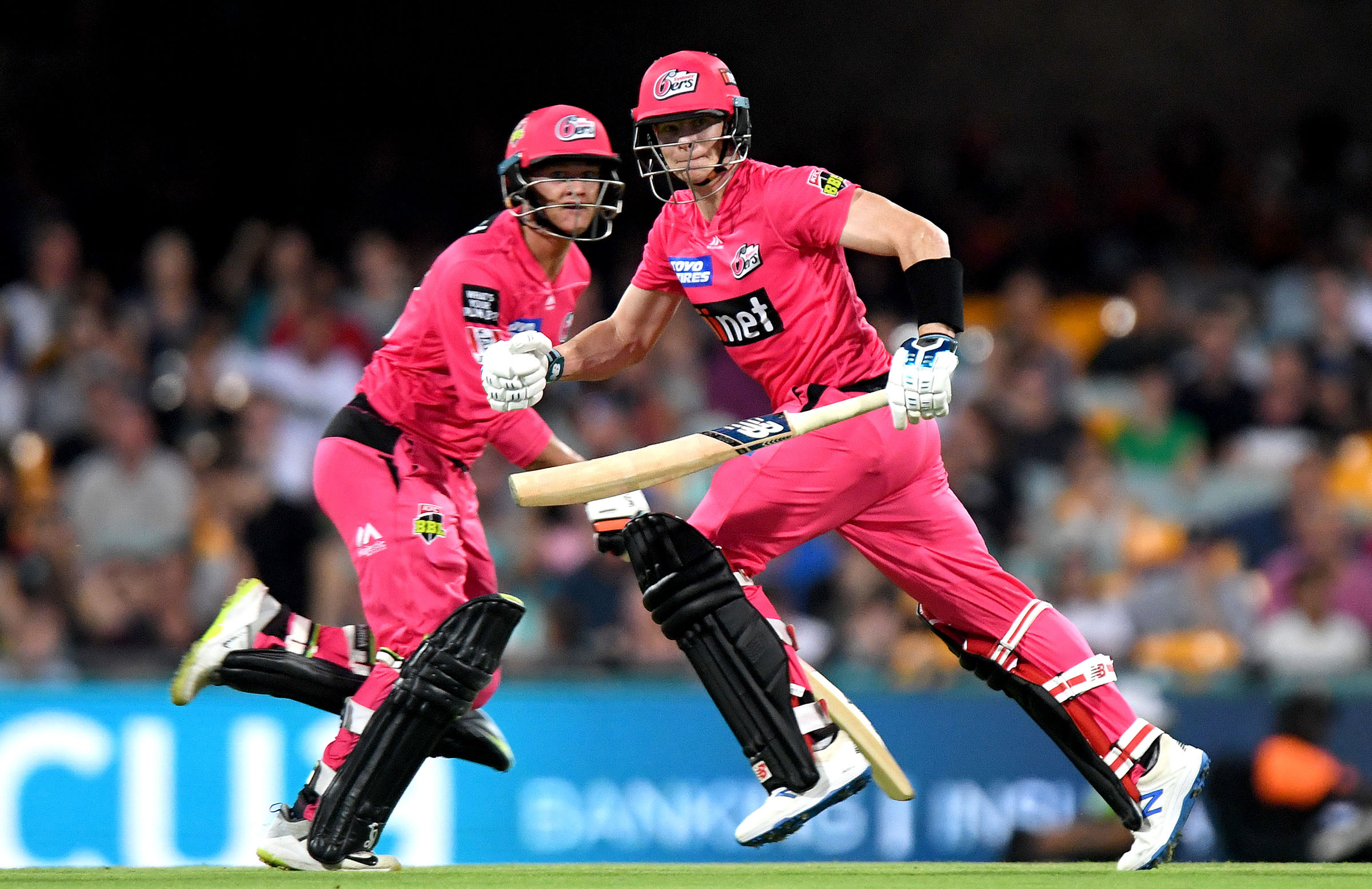 Philippe and Smith batting together during BBL|09 // Getty