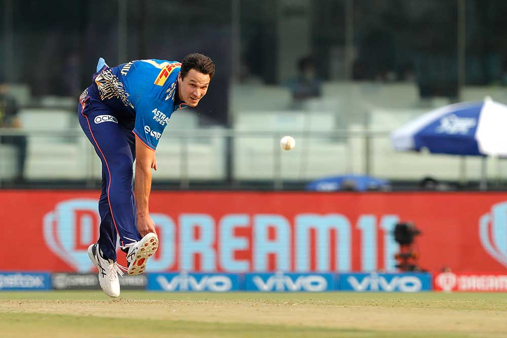 Coulter-Nile went 0-35 but had a catch dropped off his bowling // BCCI/IPL