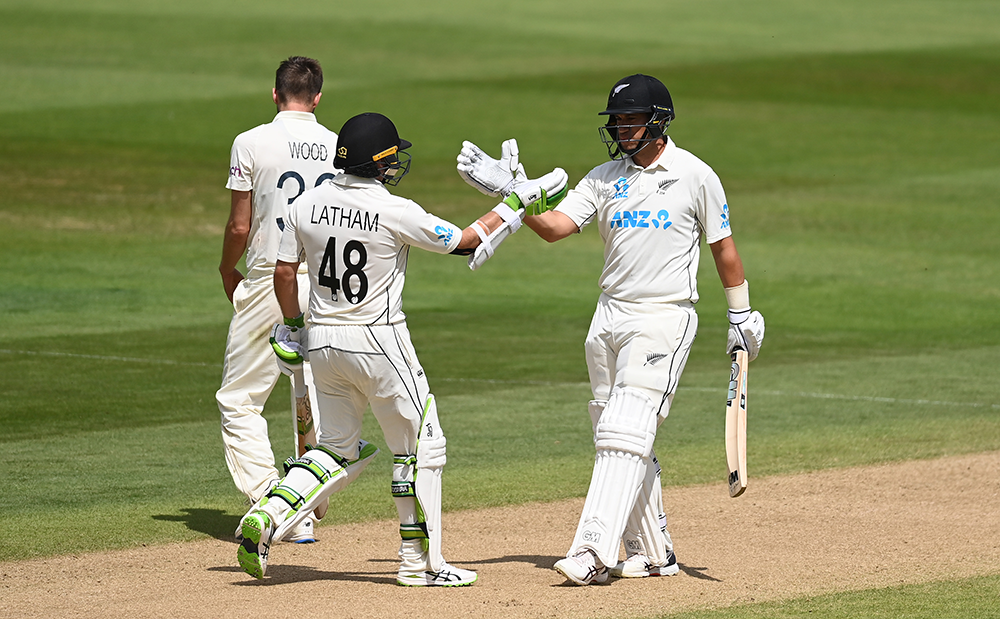 Tom Latham and Ross Taylor celebrate New Zealand's victory early on day four // Getty