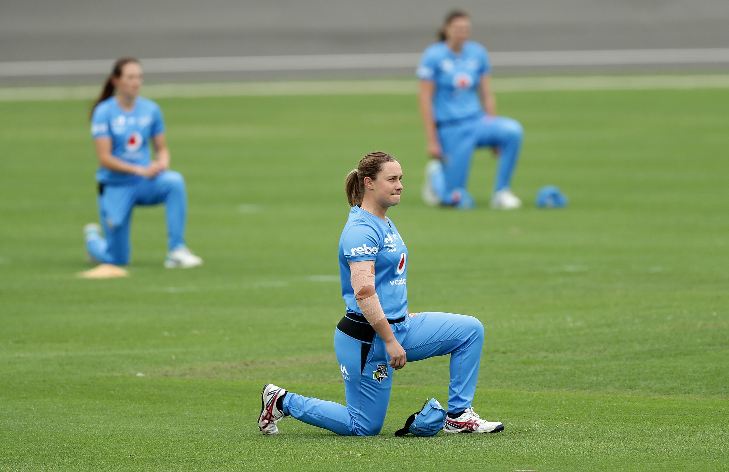 Big Bash players took a knee during last summer // Getty