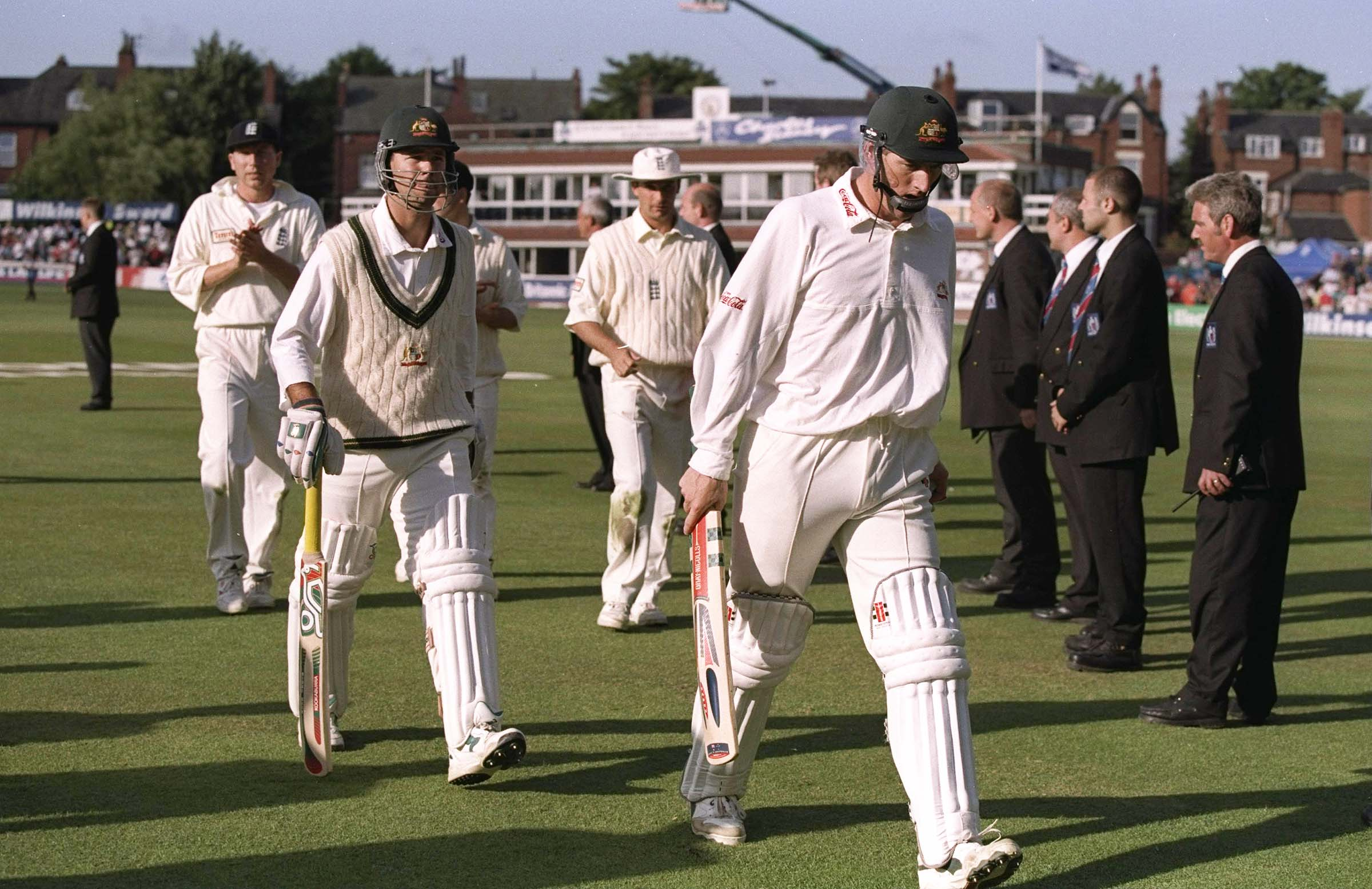 Elliott shared a match-winning partnership with Ricky Ponting in the 1997 Headingley Test // Getty