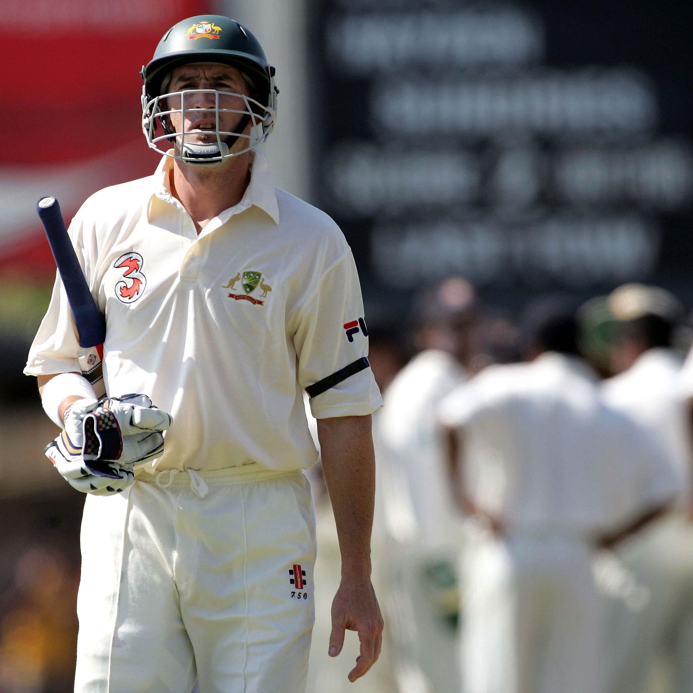 Elliott was recalled for one final Test match in 2004 // Getty